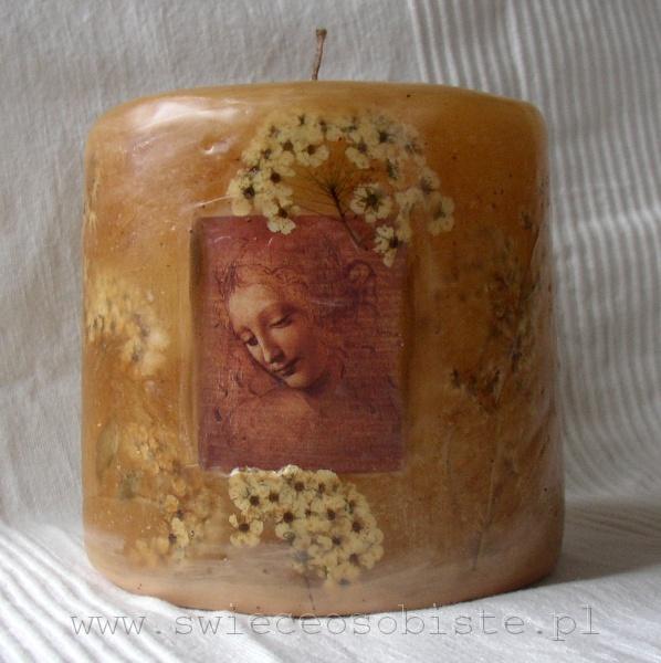 """świeca z reprodukcją obrazu Leonarda da Vinci """"Głowa rozczochranej młodej kobiety"""", mała"""