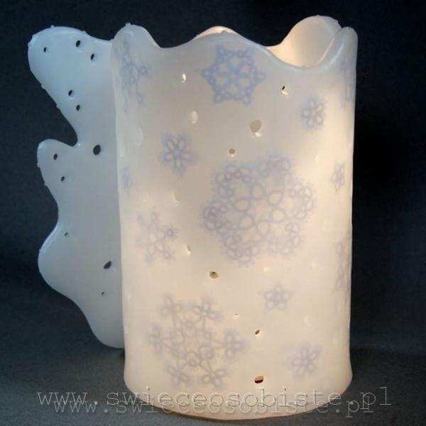 Lampion parafinowy z frywolitkami, wysokość 23 cm, średnica 14 cm