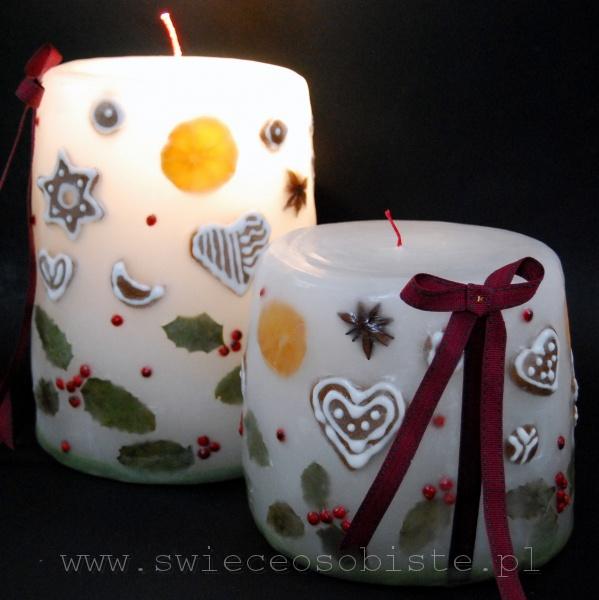 Świece świąteczne z pierniczkami, anyżem, mandarynką, liśćmi i jagodami ostrokrzewu, duża, mała