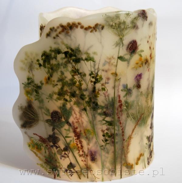 Lampion parafinowy z roślinami łąkowymi, wysokość ok. 23 cm, średnica 17 cm