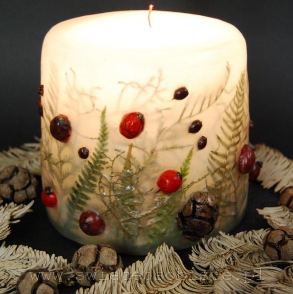 Świeca świąteczna, z paprociami, starcem, szyszkami cyprysu i głogiem, mała