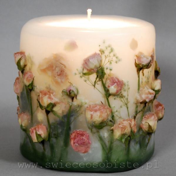 świeca z łososiowymi różyczkami, mała