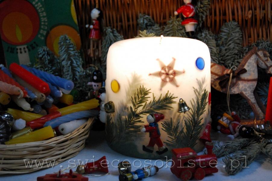 świeca świąteczna z zabawkami na choinkę, mała
