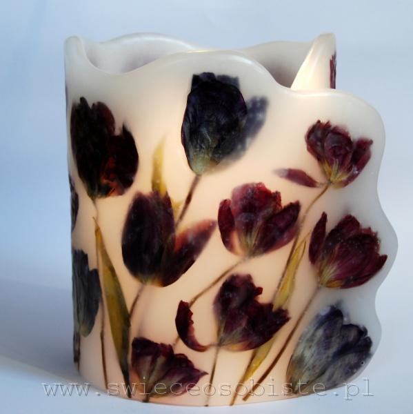 Lampion z karminowymi tulipanami, wysokość 22 cm, średnica 17 cm