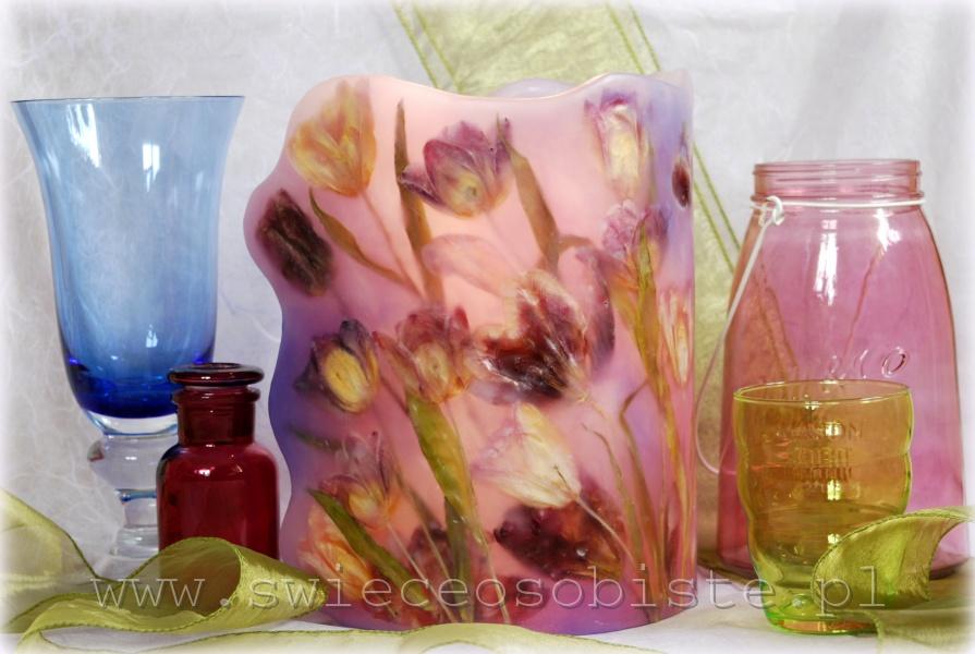 Lampion parafinowy, barwiony, z suszonymi tulipanami, wysokość ok. 24 cm, średnica ok. 17 cm