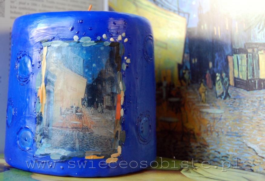 """świeca z fragmentem obrazu Vincenta van Gogha """"Kawiarniany taras"""", mała"""