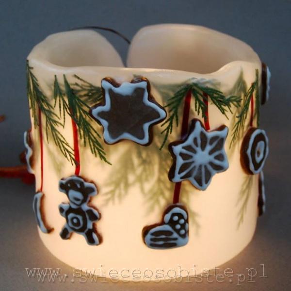 Lampionik świąteczny z gałązkami cyprysu i pierniczkami, 13 cm wysokości, 13 cm średnicy