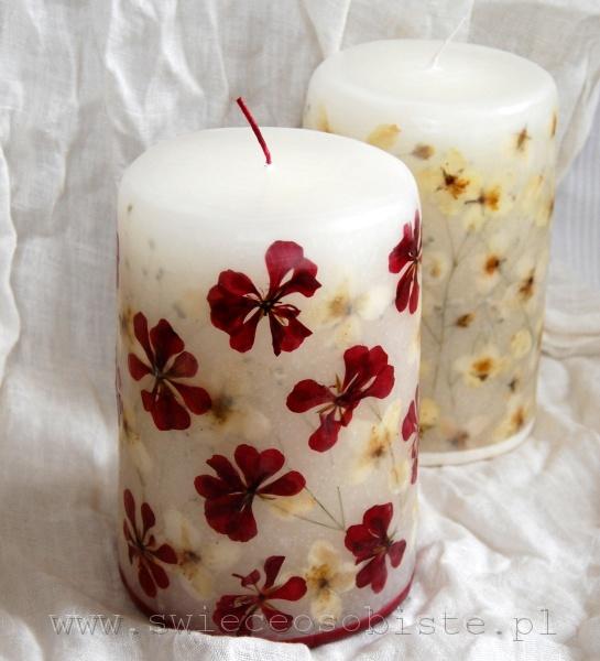 świeca z czerwonymi pelargoniami i jaśminem, duża