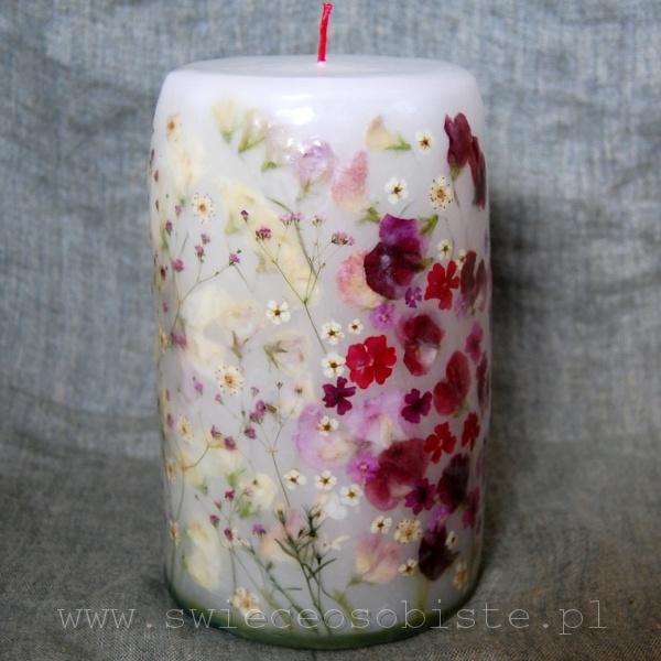 """świeca """"Miłość"""" z groszkami i drobnymi kwiatkami, duża"""