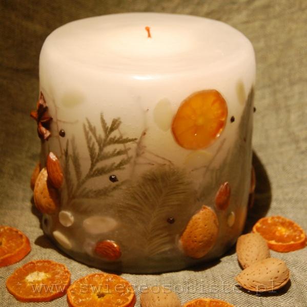 świeca świąteczna z migdałami, pomarańczą, świerkiem, mała