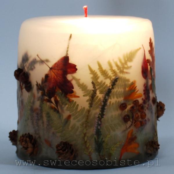 świeca leśna, jesienna, z szyszkami, jarzębiną, krokosmią, wrzoścem, mała