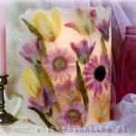 Lampion parafinowy z suszonymi tulipanami i gerberami, wysoki 24 cm, średnica 17 cm