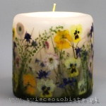 Spring candle with pansies, daisies and larkspur, small