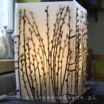 lampion z baziami, 4 płyty parafinowe połączone wstążkami, wysokość 42 cm, szerokość płyty 25 cm