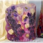 Lampion parafinowy z suszonym bzem, tulipanami, irysami i gerberami, wysokość 24 cm, średnica 16 cm