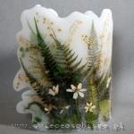 Lampion parafinowy leśny z suszonymi roślinami. Wysokość ok. 22 cm, średnica ok. 17 cm