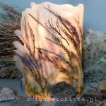Lampion parafinowy z wrzosami, mchami, porostami, skałami. Wysoki 26 cm, średnica 15 cm plus skrzydło.
