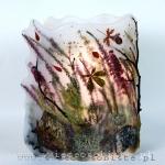 Lampion parafinowy ze skałami, wrzosem i wrzoścami, mchami, gałązkami i listkami. Wysokość ok.25 cm, średnica 17 cm