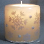 "winter candle, ""frosty"", with crochet snowflakes and glass drops and beads, small"