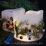 Lampionik świąteczny z gałązkami cyprysu, bombkami i drewnianymi żołnierzykami, 13 cm wysokości, 13 cm średnicy