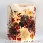 Lampion parafinowy z suszonymi piwoniami, gerberami, goździkami, astrami, pelargoniami i tawułą, wysokość ok. 25 cm, średnica ok. 16 cm