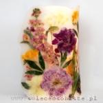 """Lampion parafinowy """"Letni ogród"""" z piwoniami, lewkoniami, frezjami, tulipanami i alstremerią, wysoki na 31 cm, średnica 17 cm"""