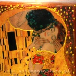 "candle with detail of Gustav Klimt's painting ""Kiss"", big"