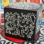 warsztaty tworzenia świec ozdobnych, świeca zdobiona techniką hennową (w hołdzie Keithowi Haringowi)