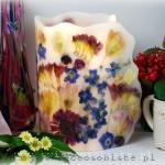 Lampion z gerberami, frezjami, tulipanami, różami i ostróżką, średnica 17 cm, wysokość ok. 25 cm