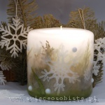 Świeca świąteczna, zimowa, z szydełkowymi śnieżynkami, mała