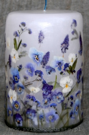 candle with blue flowers, big